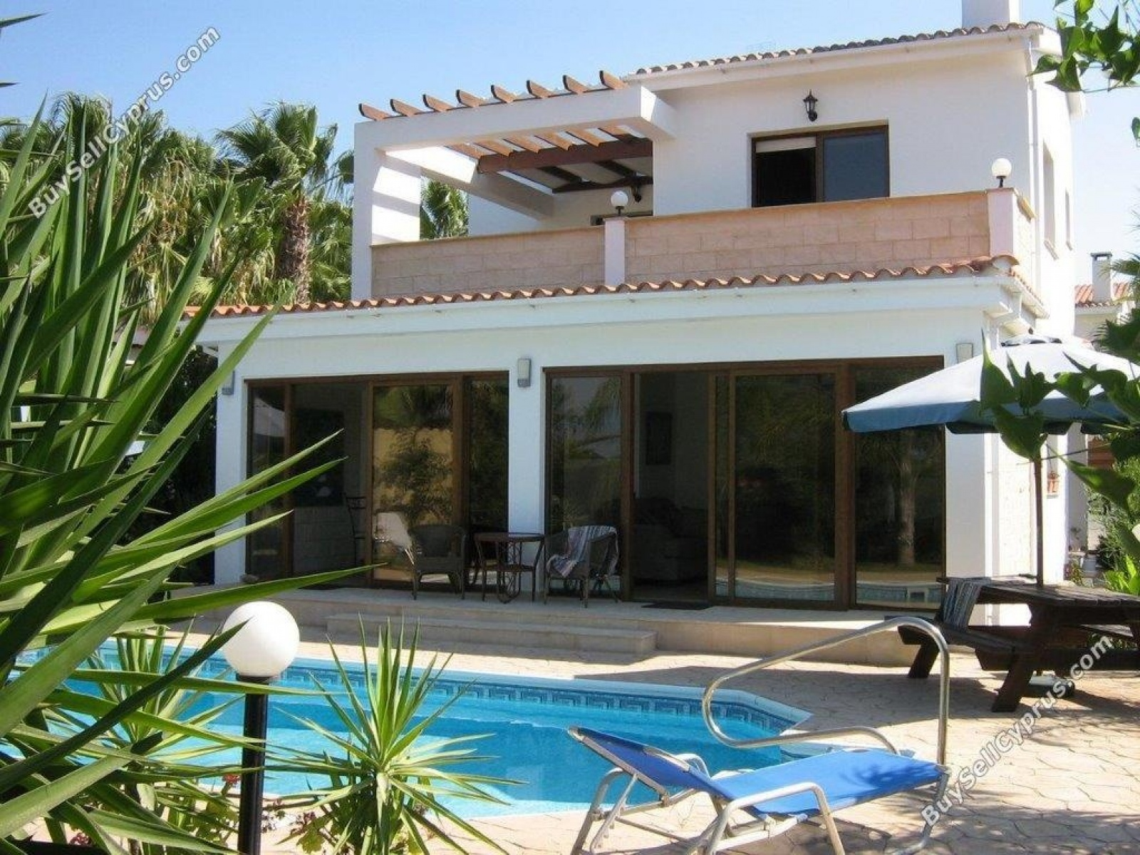Residential Villa - Detached Latsi House for Sale